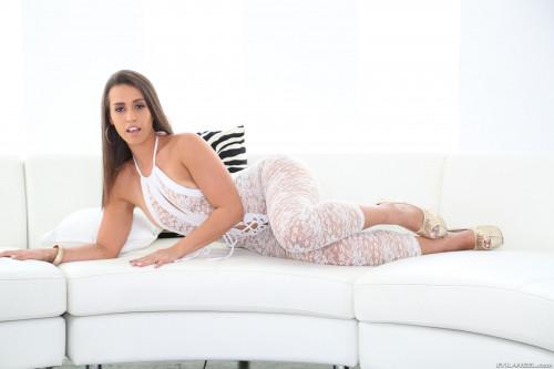 Kelsi Monroe porn photo