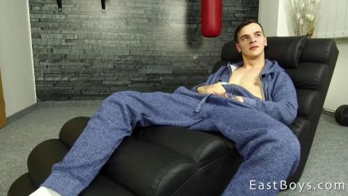 EastBoys - Casting - Web Cam - Jerk-off (Desmond Cooper) Gay Solo