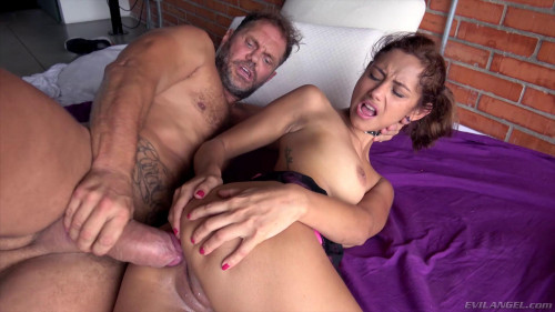Hugely Hung Stud Sodomizes LatinaTeen