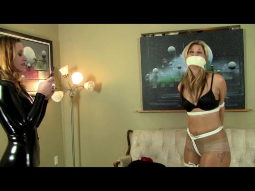 Lexi Meets the Catburglar BDSM Latex