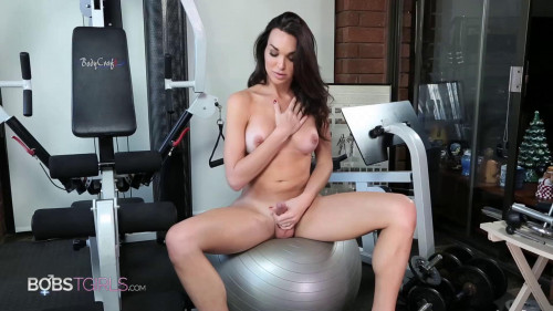 Jonelle Brooks - Workout And Shower