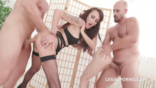 Fuck you we go 2on2 Lyna Cypher & Holly Hendrix Anal Sex Orgy