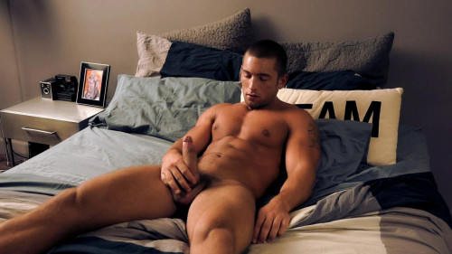 Evan Shaw is a muscle fastened hunk