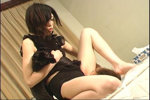 Cute japanese girl facesitting & pissing on male slave