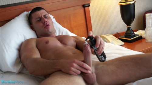 Bentley Race - David Sweets hot jacking show on my bed