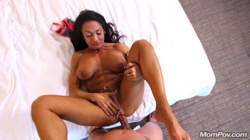 Bodybuilder fitness gilf ass fucking Female Muscle