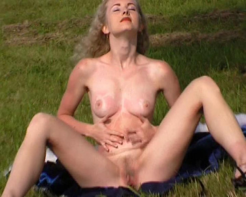 Pussy in the field Masturbation