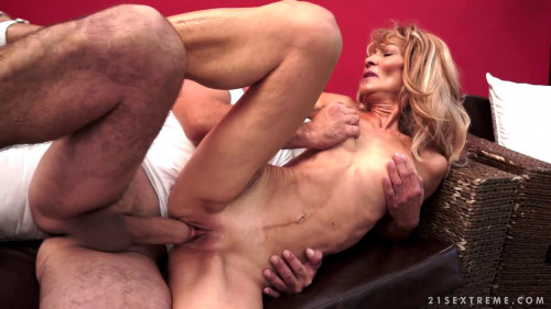 Rauncy Regina Mature, MILF