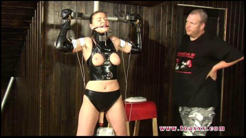 Rubber Slave Julia Power BDSM Latex