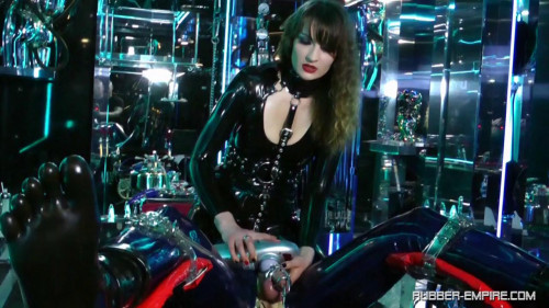 Lady Lilith - Holly, Mein RubberToy - Scene 2 - HD 720p Femdom and Strapon