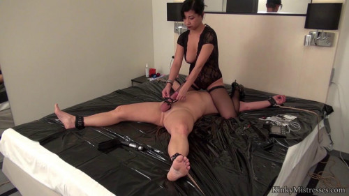 mistress kawa private session Femdom and Strapon