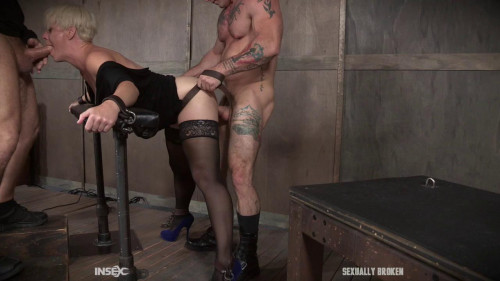 Brutal mouth fucking, crying and begging - Helena Locke