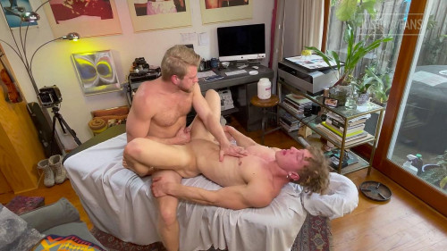 Logan Stevens Massages And Fucks Felix Fox Bareback