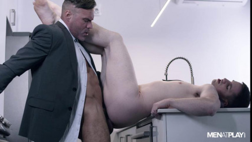 Manuel Skye fucks Thyle Knoxxs asshole 480p