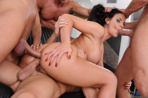 Seductive Girl Gets Fucked Hard by Four Dudes Orgies