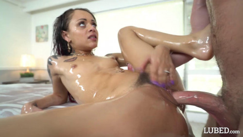 Oil And Discipline - Holly Hendrix Gonzo (Point Of View)