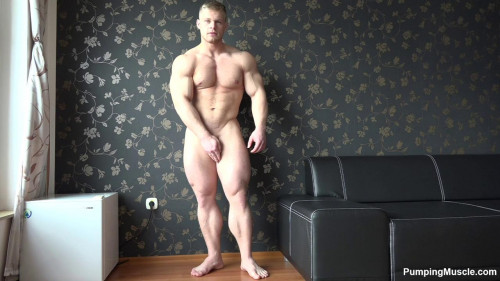 Pumping Muscle Gary E Photo Shoot scene 2
