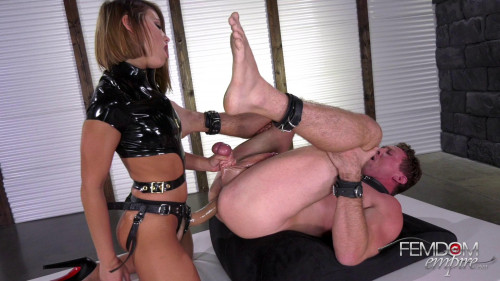 Strap-on Squirt Queen Femdom and Strapon