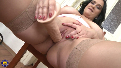 British chubby mature housewife showing off her big tits Masturbation