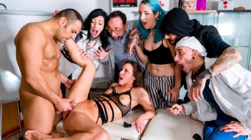 Crowdbondage First BDSM Encounter