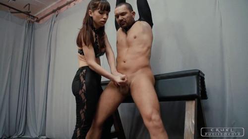 Mistress Nina Femdom and Strapon