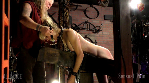 Painslut Training BDSM