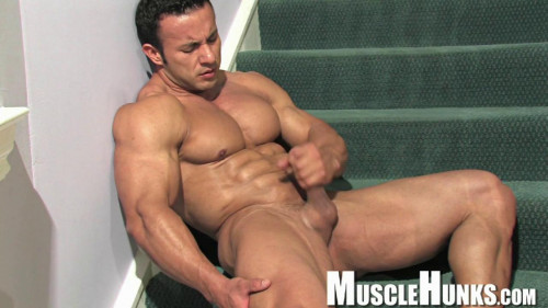 Musclehunks - Anton Buttone - The Buttmeister