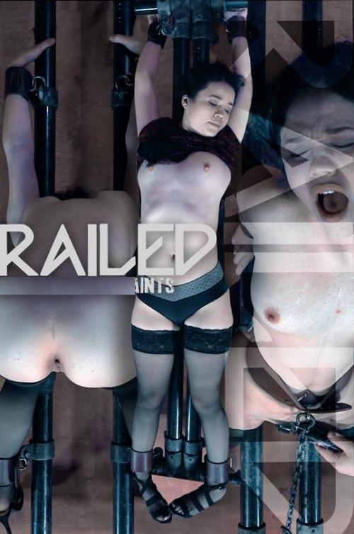 Railed-PainSlut Yhivi