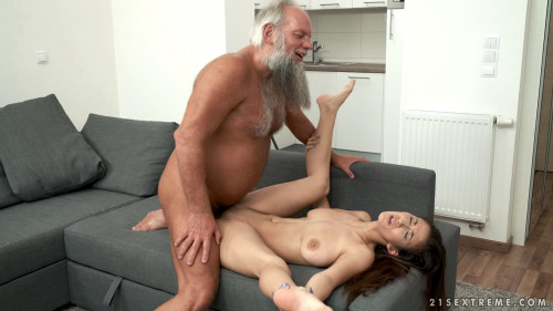 Darcia Lee - Feels So Good - Oct 07, 2017 Old and Young