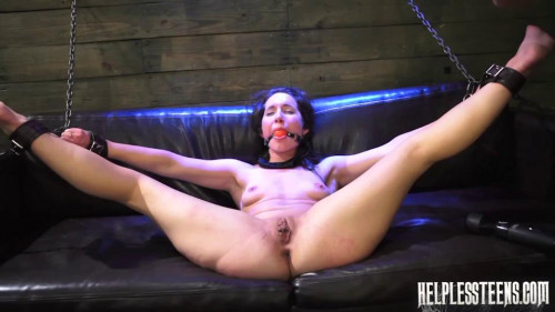 Eviliyn Earns a Raide with Domintion & Rough Outdoor Sex