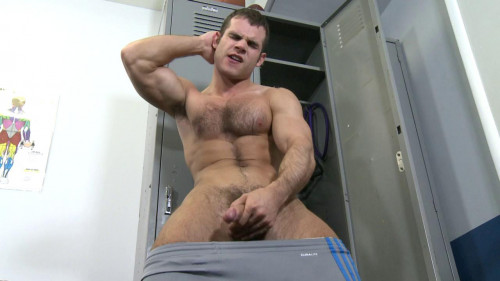 Hot boy jerking in the dressing room