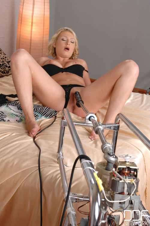 Lucy Heart - Instant Inches--No Waiting! Sex Machines