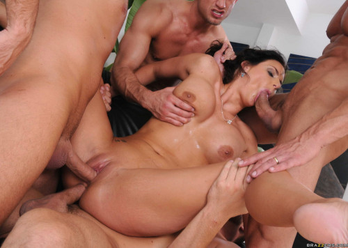Naughty Pretty Hottie Gets Fucked Hard by Four Dudes Orgies