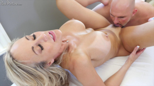 Courtyard Cougar   Court Cougar (Brandi Love)