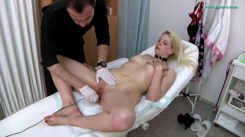 Mandy Valley (28 years girl gyno exam)