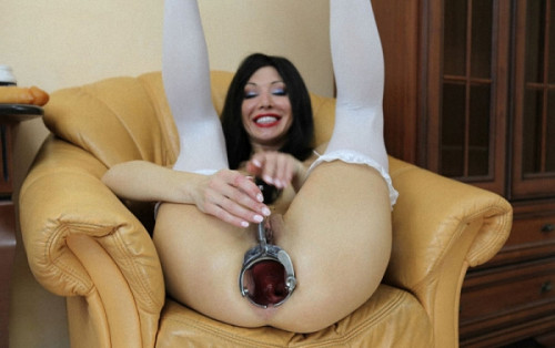 Long dildo full in open with xo speculum ass