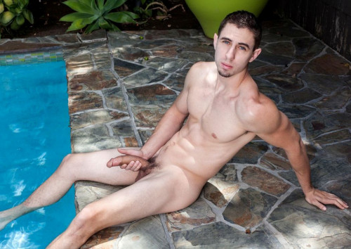 Hot Twink Jake Orion eats his load