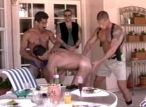 Delivery Boys Bareback & Gangbang Gay Retro