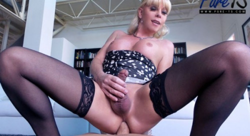 Pure-TS Mature blonde Joanna Jet wants your cock!