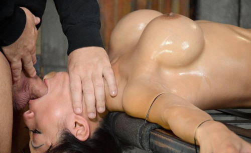 Deepthroat specialist Gaia restrained to bedframe vibrated while throatblasted