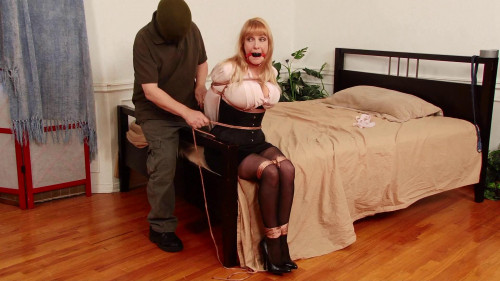 HD Bdsm Sex Videos Burglar ties and takes Secretary Lorelei away