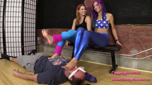 Amadahy and Edyn Blair Post Workout Trample Facesit Armpit Worship Plus Gym Fart (2016)