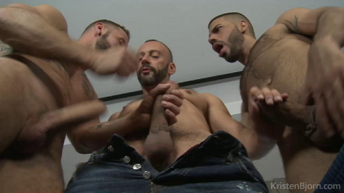 Antonio Miracle, Hugo Arenas, Alberto Esposito Gays