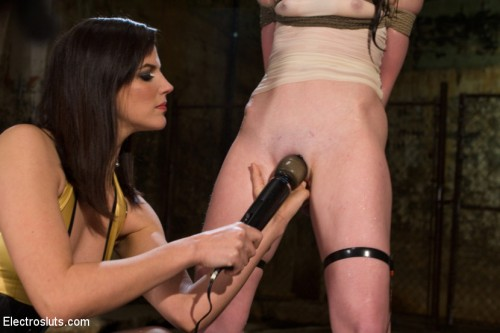 AnnaBelle Lee is an Electroslut! BDSM