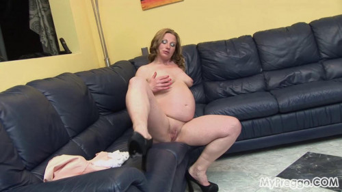 Pregnant Suzy Can`t stop fucking herself Pregnant