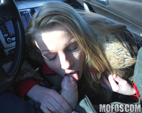Girl With A Big Natural Tits Sucked Guy Off In His Car