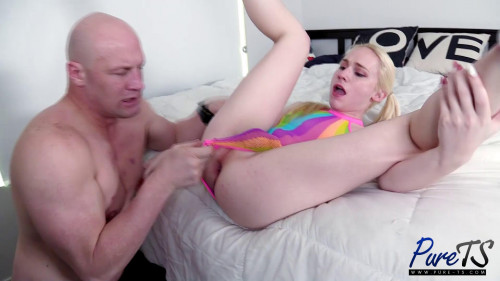 Rainbow Goddess Gets Railed Bareback SheMale