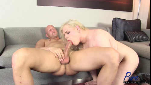 Newbie Cassie Blue gets the cock she wants Transsexual