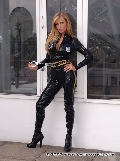 Latexotica Pics Collection