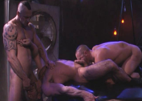Dirty group sex with muscular males